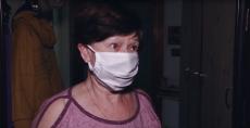Инициативная группа жителей 22 округа  раздаёт медицинские маски