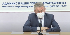 Пресс-конференция главы города Виктора Мельникова